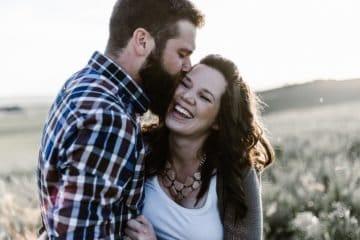 8 Verhaltensweisen, die Männer zeigen, wenn sie die wahre Liebe gefunden haben