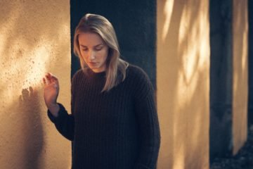 10 Zeichen, dass du definitiv nicht über deinen Ex hinweg bist
