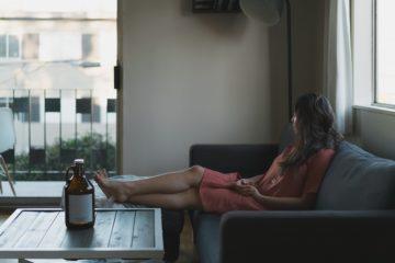 20 Zeichen, dass du eine ambivalente Persönlichkeit bist (weder eine Introvertierte noch eine Extrovertierte)