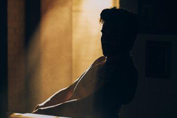 Wenn ein Narzisst verlassen wird - Die 6 Phasen und Nachwirkungen der Trennung