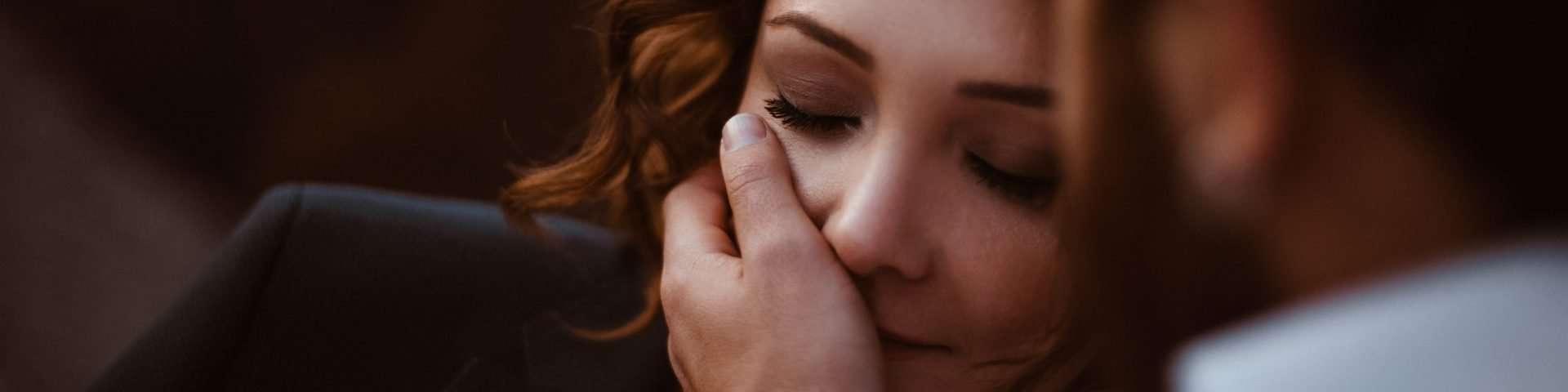 """""""Liebt er mich?"""" 21 Zeichen, die seine wahren Gefühle für dich erkennen lassen"""