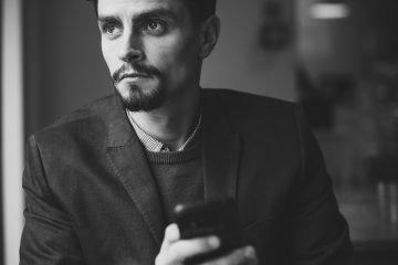 6 Textnachrichten, die er dir schickt, wenn er dich wirklich vermisst