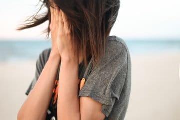 8 Warnzeichen, dass du geistig und emotional überlastet bist