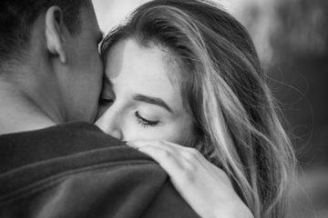 Wie du jemandem erlaubst, dich auf die tiefste Art und Weise zu lieben