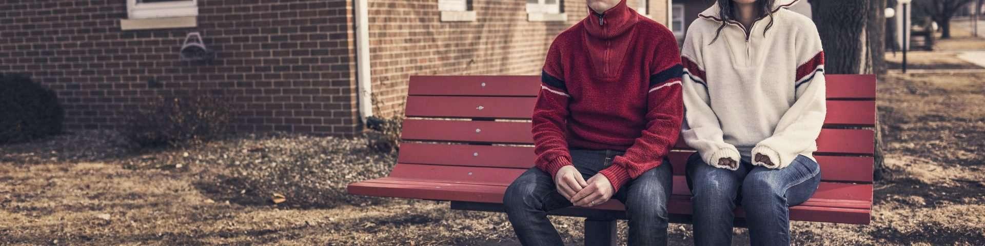 Gehst du mit einem emotional verkrüppelten Mann aus? Achte auf diese Zeichen