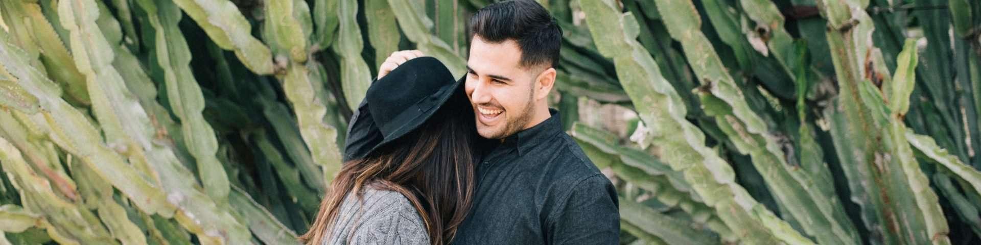 5 Dinge, die ein richtiger Mann tut, wenn er in einer Beziehung ist