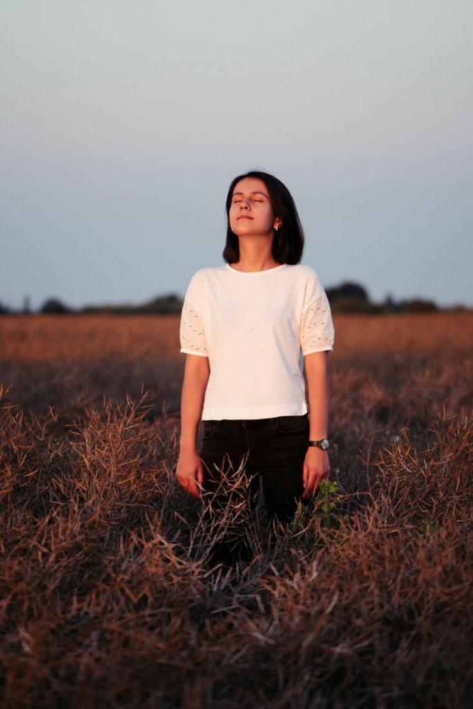 5 Dinge, die du tun kannst, wenn du dich allein fühlst
