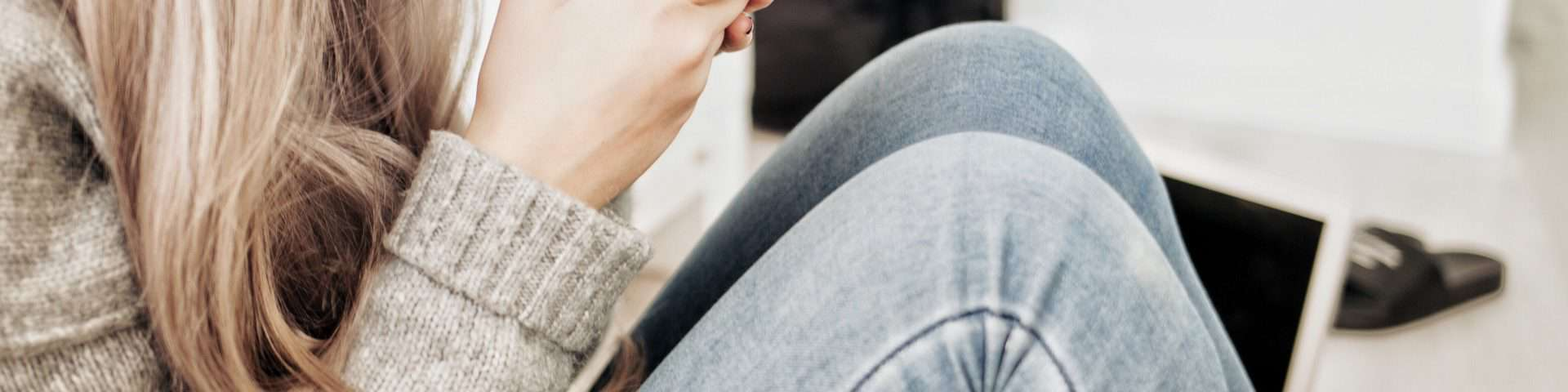 Die 5 'Goldenen Regeln', einem Mann zu texten, auf den du total stehst