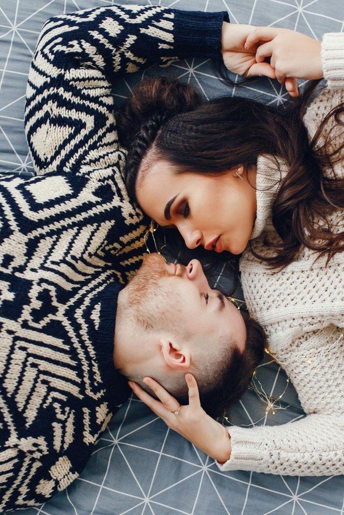 15 Gründe, warum dein Mann gerne kuschelt