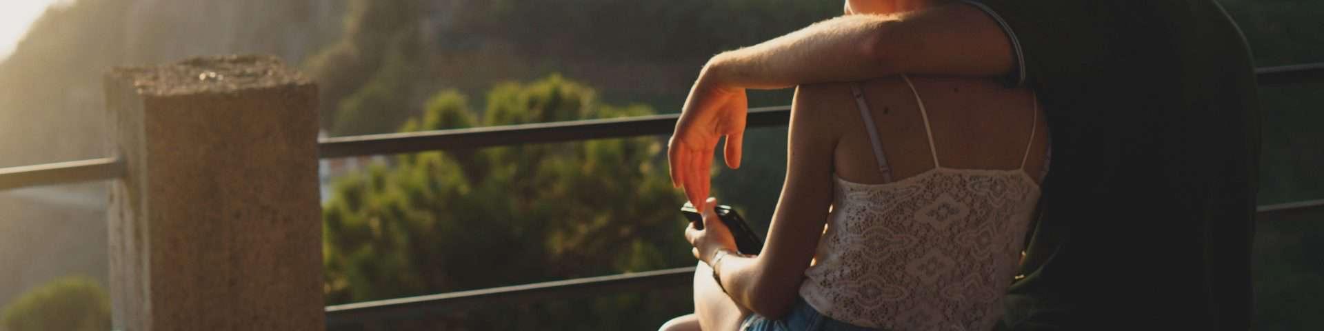 8 Dinge, von denen du nicht merkst, dass sie sie tut, weil sie Angst davor hat, wieder verletzt zu werden